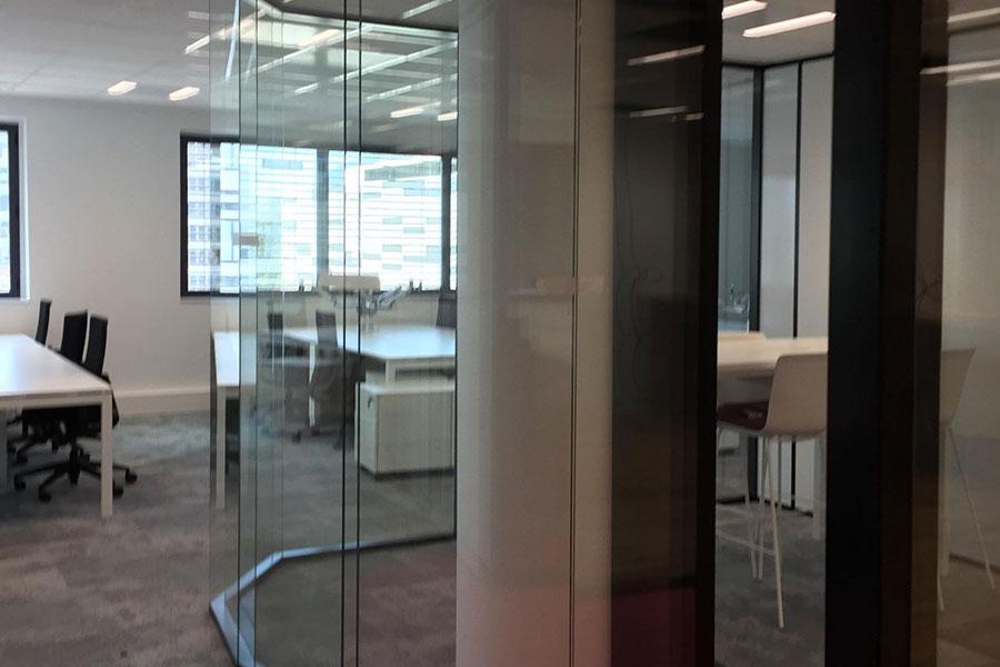Pose-cloison-aluminium-bureaux-